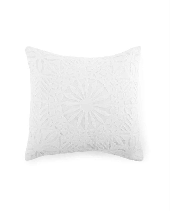 D  White cushion f web